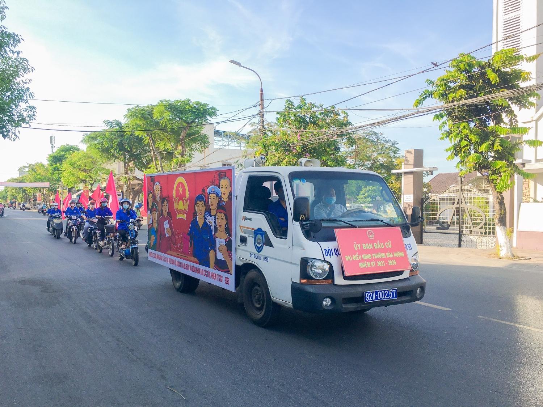 Đoàn phường Hòa Hương tuyên truyền lưu động