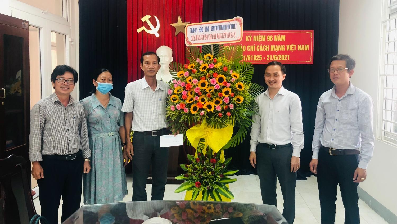 Lãnh đạo thăm Báo nhân dân tại Quảng Nam