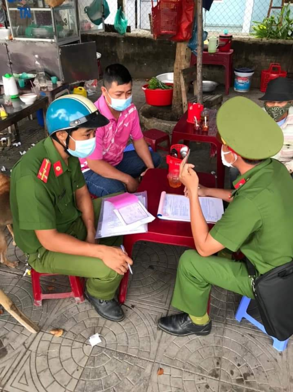 Công an phường Hòa Hương xử phạt trường hợp vi phạm